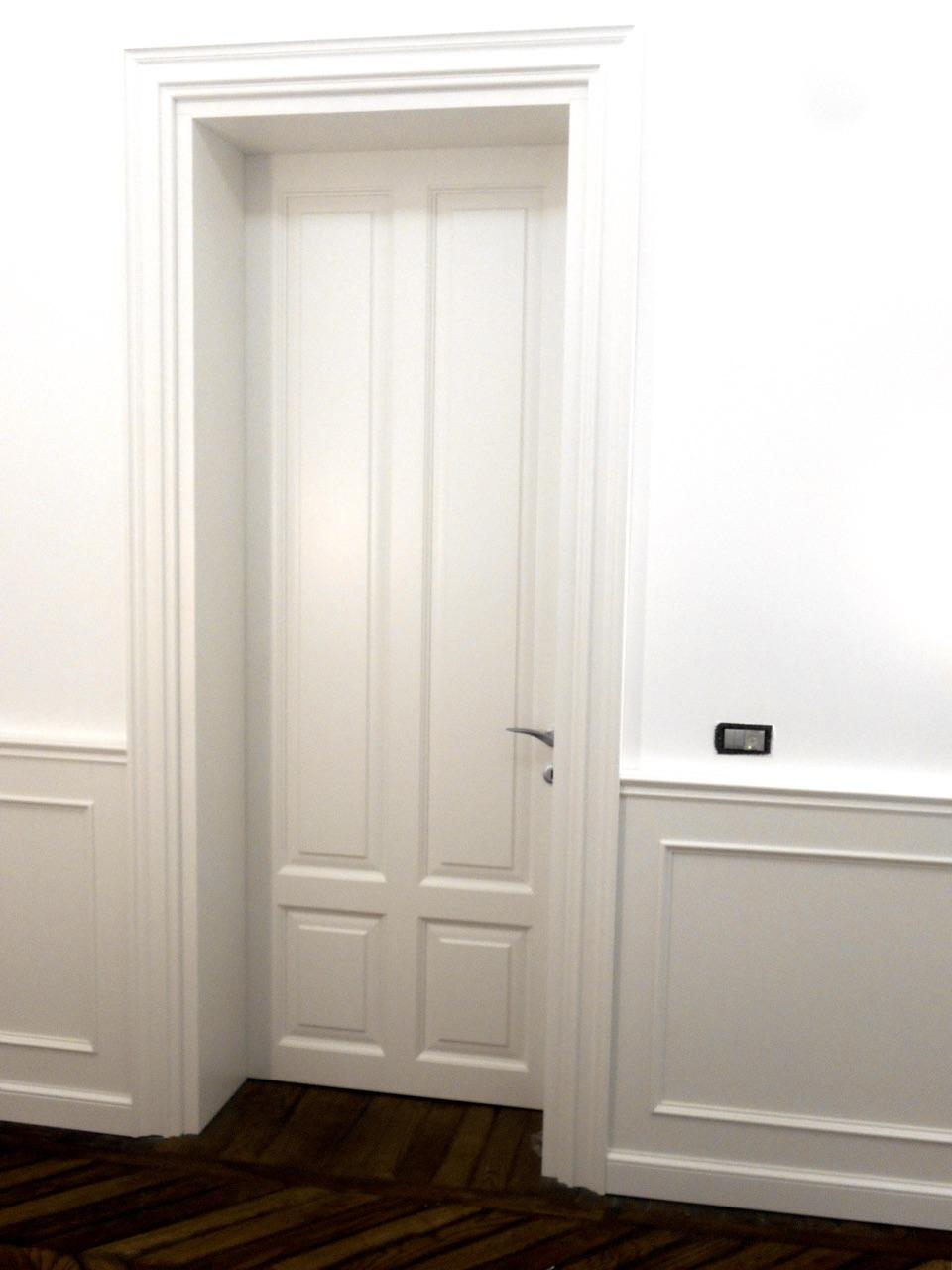 Palazzo Fiorentino –  Porta interna massello